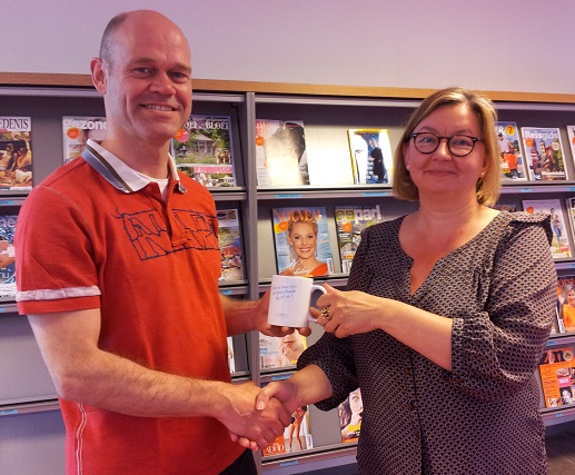 Eerste bibliotheekmok voor Jeanine Deckers | WebbiebNL