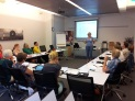 Anketrien Schillhorn van Veen van TerSprake geeft een workshop over klantgerichtheid.