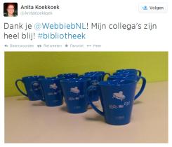10 exemplaren van de nieuwe WebbiebNL voor de bedenker van de slogan Anita Koekkoek van Bibliotheek Altena