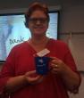 Uitreiking eerste WebbiebNL mok aan Anita Koekoek tijdens de Summer School 2014