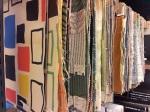 Stalen uit de stalenkast in de bibliotheek van het TextielMuseum in Tilburg