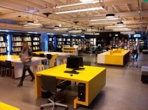 De bibliotheek van het TextielMuseum in Tilburg
